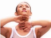 女人护肤的轻柔小动作
