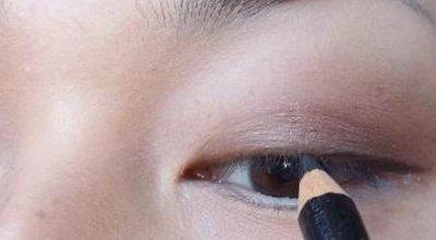 惊人!大妈变少女的化妆法