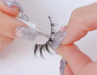 美妆道具三:假睫毛